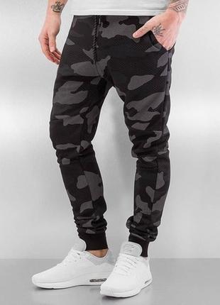 Спортивные комуфляжные штаны! качество супер! с,м,л,хл.