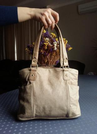 Кожаная светло коричневая мраморная сумка фирмы jones