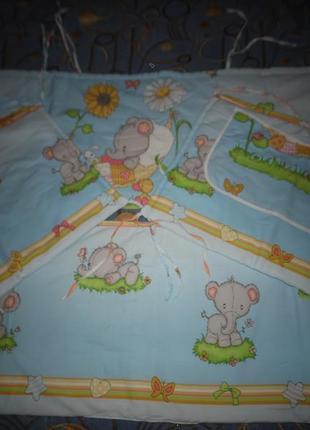 Защитные бампера в кроватку