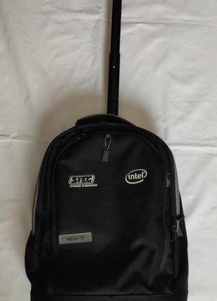 "Рюкзак - чемодан на роликах для ноутбука 15.6"". tech air"