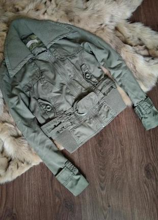 Демисезонная куртка vero moda.