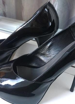 Лаковые туфли gino rossi