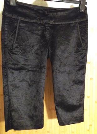 Нарядные длинные велюровые шорты,46-48разм,sisley,пот-40см.,италия.
