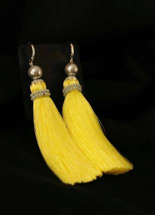 Желтые лимонные серьги кисти