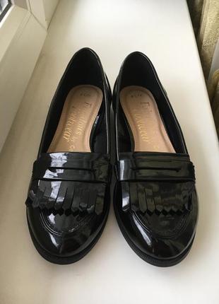 Модные  чёрные туфли лоферы низкий каблук george