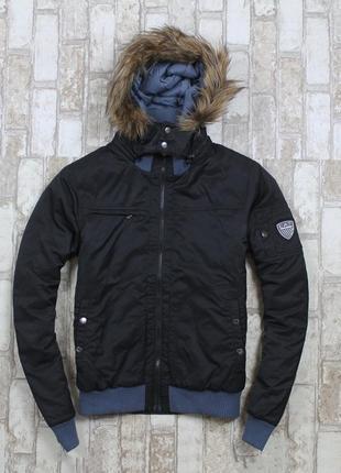 Крутая куртка от armani