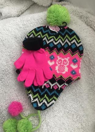 Комплект шапки рукавивы для девочки с бомбонами на флисе