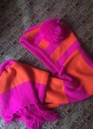 🍀весення распродажа🍀очень красивый шарф-капюшон малиново-апельсинового цвета