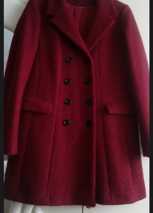 Дорогое  двубортное пальто букле зима очень красивый цвет  линейка max mara