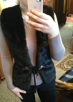 Теплая меховая жилетка как норка вязанная