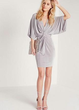 Шикарное платье с узлом