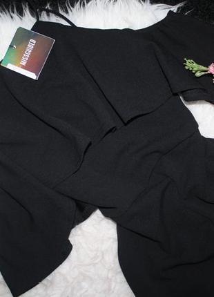 Роскошный комбинезон с открытыми плечами4 фото