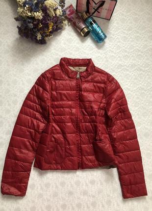 Фирменная куртка motivi красного цвета демисезонка , демисезонная 38- раз