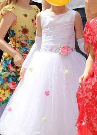 Красивейшее нарядное праздничное бальное платье 5-7 лет