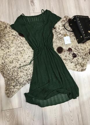 Стильное платье миди вязаное