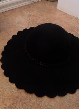 Шерстяная шляпа с широкими полями