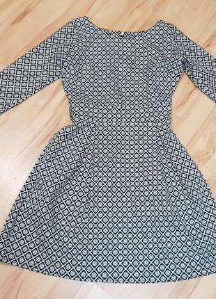 Очень хорошенькое платье
