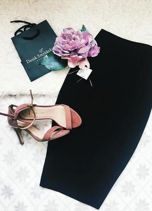 Стильная трикотажная черная демисезонная юбка карандаш