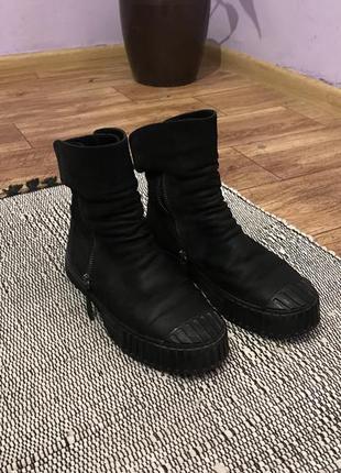 Стильные зимние черные теплые кожаные сапоги ботинки miraton на змейке