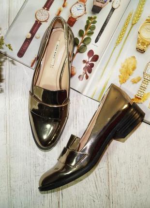 (37/24см) zara крутые фирменные лоферы, туфли актуального фасона с металлическим