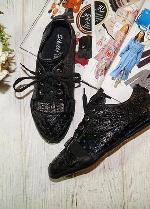 (37/24см) sibille. кожа. классные спортивные туфли со стразами