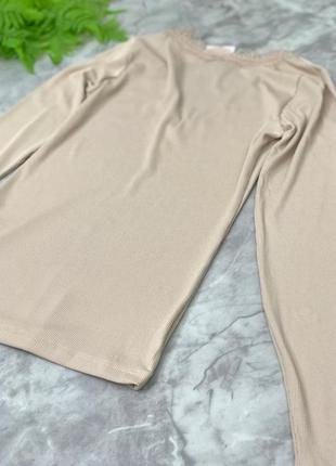 Качественная блуза для базового гардероба с отделкой из гипюра  bl1852133 h&m2 фото