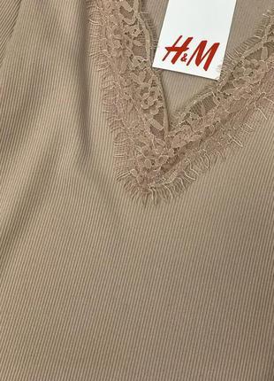 Качественная блуза для базового гардероба с отделкой из гипюра  bl1852133 h&m3 фото