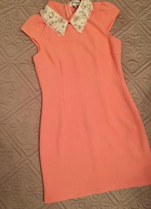Нарядное платье с воротничком/ нежное платье