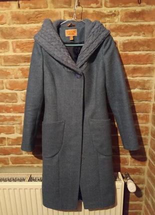 Жіноче демісезонне пальто з в'язаним капюшоном.можливий торг