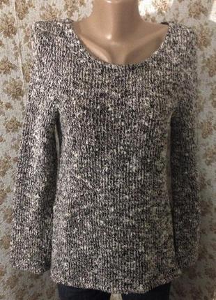 Красивый свитер размер m-l