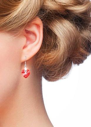 Серьги swarovski сердце красный кристалл