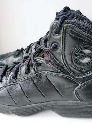 Высокие кожаные зимние ботинки оригинал reebok 37р. (24.5 см.)
