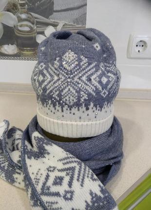 Зимняя шапочка и шарф