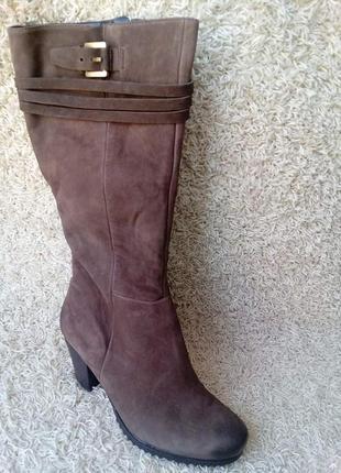 Класні нарядні зимові чобітки