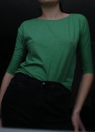 Зеленая летняя блуза с 3/4 рукавом.