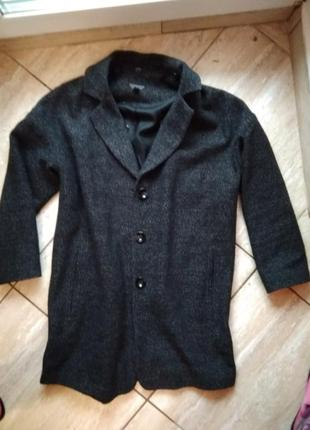 Удлиненніьй пиджак