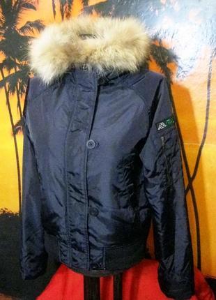 Kappa (оригинал) италия  короткая куртка  с капюшоном с мехом енота