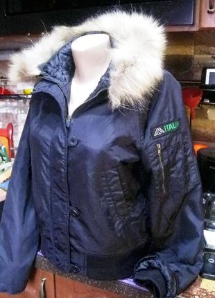 Kappa (оригинал) италия  короткая куртка  с капюшоном с мехом енота2 фото