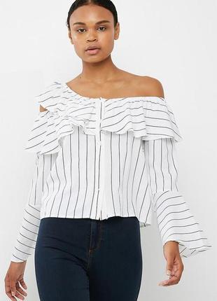Cтильная крутая полосатая блуза с открытым плечем и расклешенными рукавами missguided