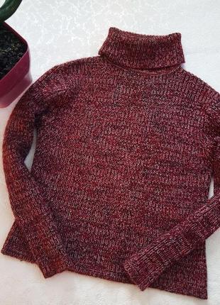 Шерстяной свитер с горловиной