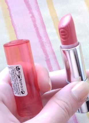 Увлажняющая глянцевая персиковая блеск помада для губ essence