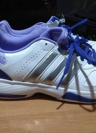 Кросівки adidas нові!