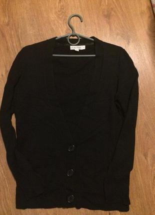 Брендовый   шерстяной                          свитер от  calvin klein