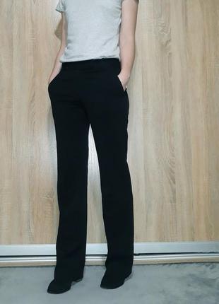 Классные деловые брюки-клеш со стрелками h&m