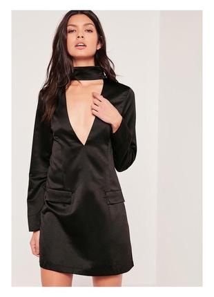 Шелковистое платье прямого кроя с v-образным вырезом missguided p.10 чекер