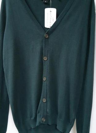 "Кофта мужская зеленого цвета на пуговицах от немецкого бренда ""colours of the world""."