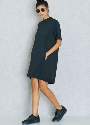Платье спортивное длины миди оригинал от nike