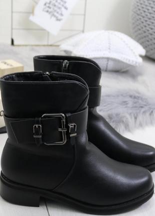 Новые черные зимние ботинки размер 36