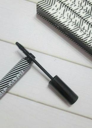 Тушь для ресниц , силиконовая кисточка