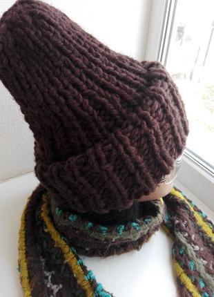Теплая с двойным отворотом шапка-тыковка и шарфы